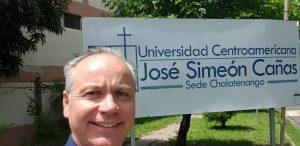 Fernando Asenjo en El Salvador